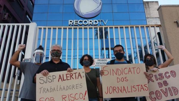 Em ato nesta segunda-feira, SJSP denuncia omissão da Record diante de casos de coronavírus no ambiente de trabalho / Foto: Victor Martins