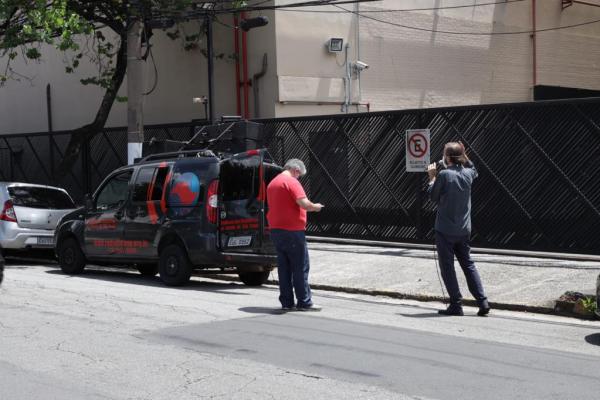 Na Record, Sindicato dos Jornalistas e dos Radialistas protestam pela reposição da inflação (5,2%) nos salários desde 1º de dezembro